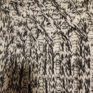 H&M Black & White Knit Infinity Scarf